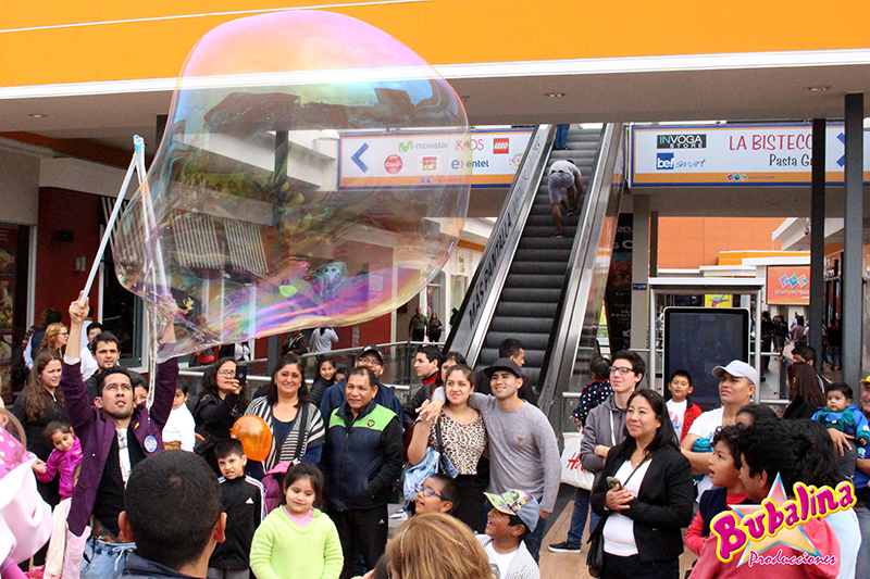 servicio de show de burbujas en centros comerciales